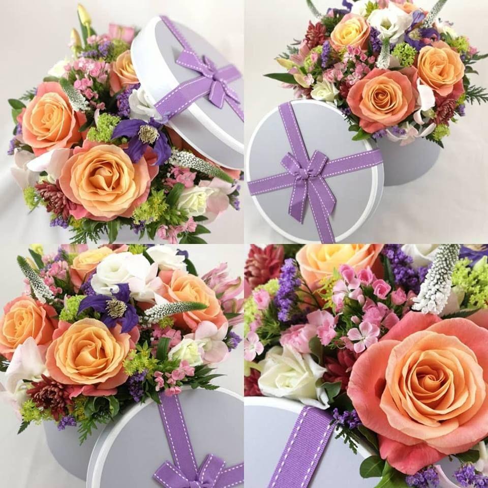 Ultimate, deluxe, hatbox of premium blooms