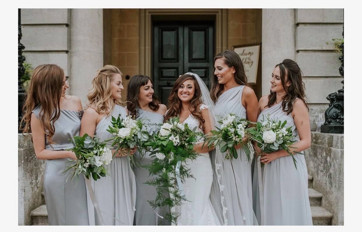 jeanelle and bridesmaids pro photo Daniel Ackroyd