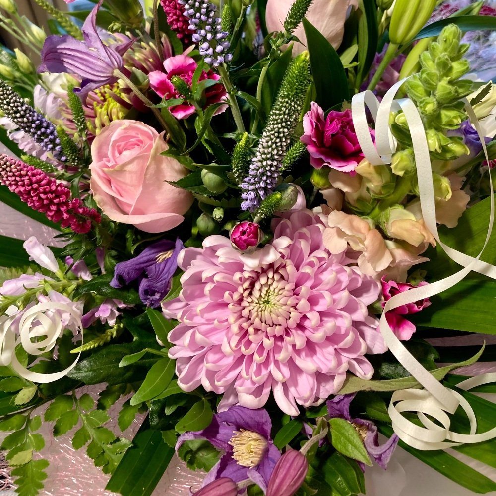 Luxury - hand-tied bouquets - Free local delivery - from £35.00