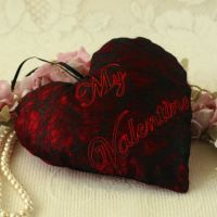 <!-- 016-->Valentine's Day Embroidered Fabric Heart