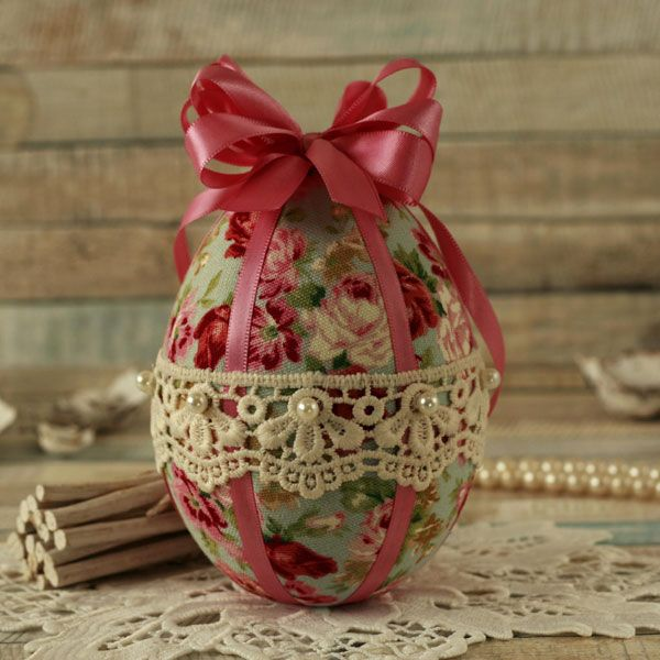 <!-- 007 -->Shabby Chic Blue Floral Hanging Easter Egg Decoration