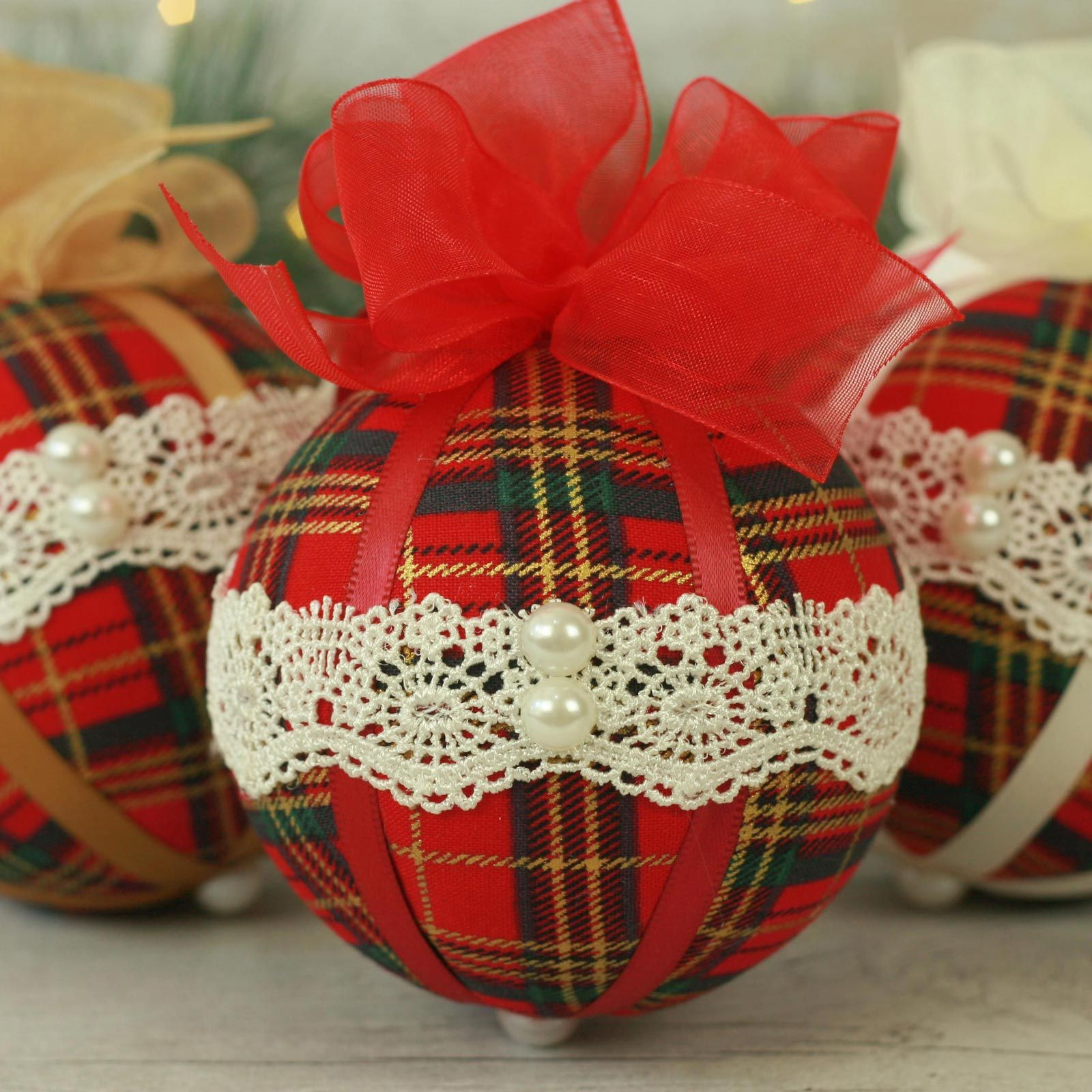 Traditional red tartan fabric Christmas baubles (5)