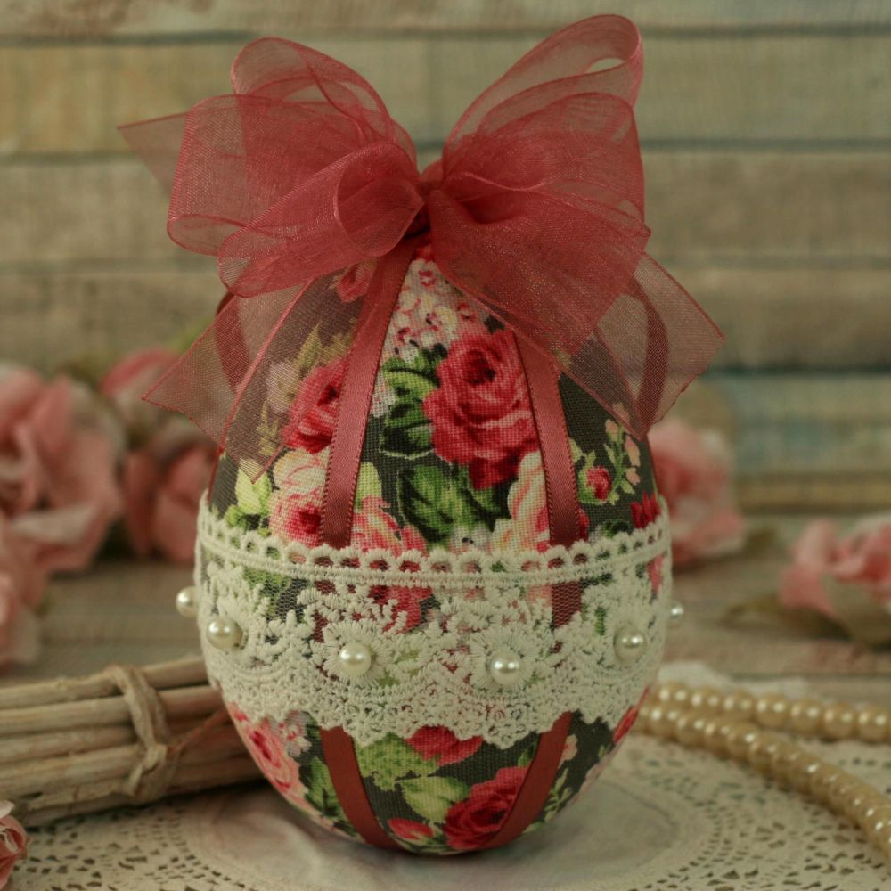 <!-- 009 -->Shabby Chic Pink Hanging Easter Egg Decoration