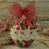 <!-- 011 -->Shabby Chic Easter Egg