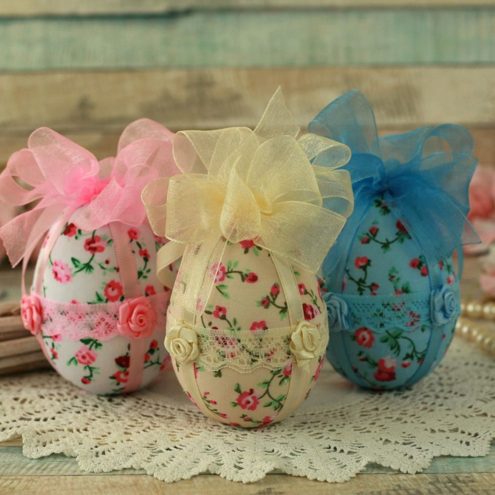<!-- 011 -->Shabby Chic Easter Tree Egg Ornaments
