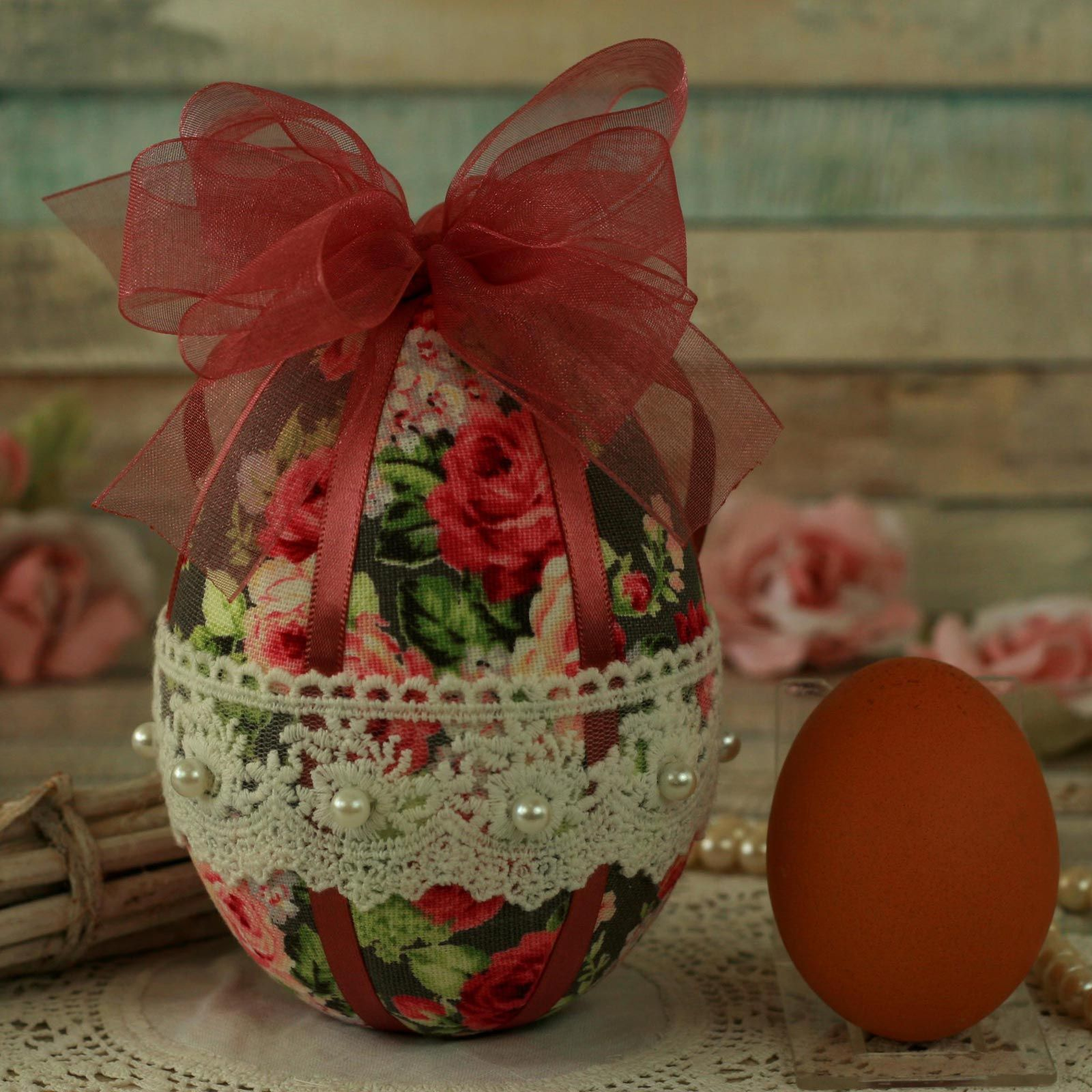 Shabby Chic Pink Hanging Easter Egg Decoration (4)