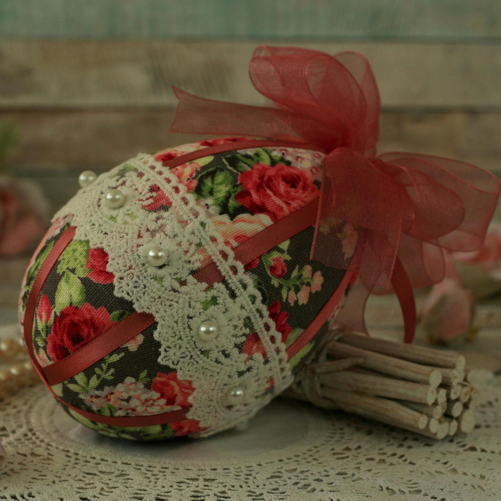Shabby Chic Pink Hanging Easter Egg Decoration (6)