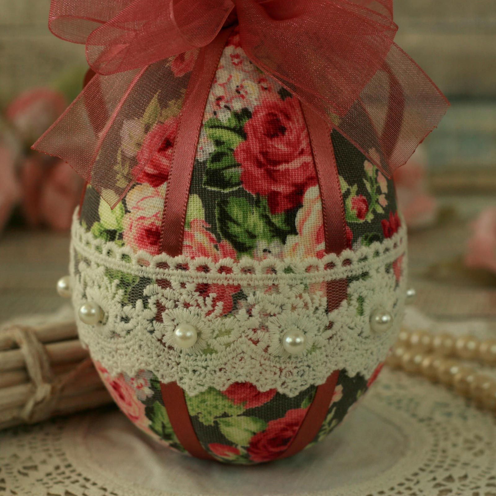 Shabby Chic Pink Hanging Easter Egg Decoration (3)