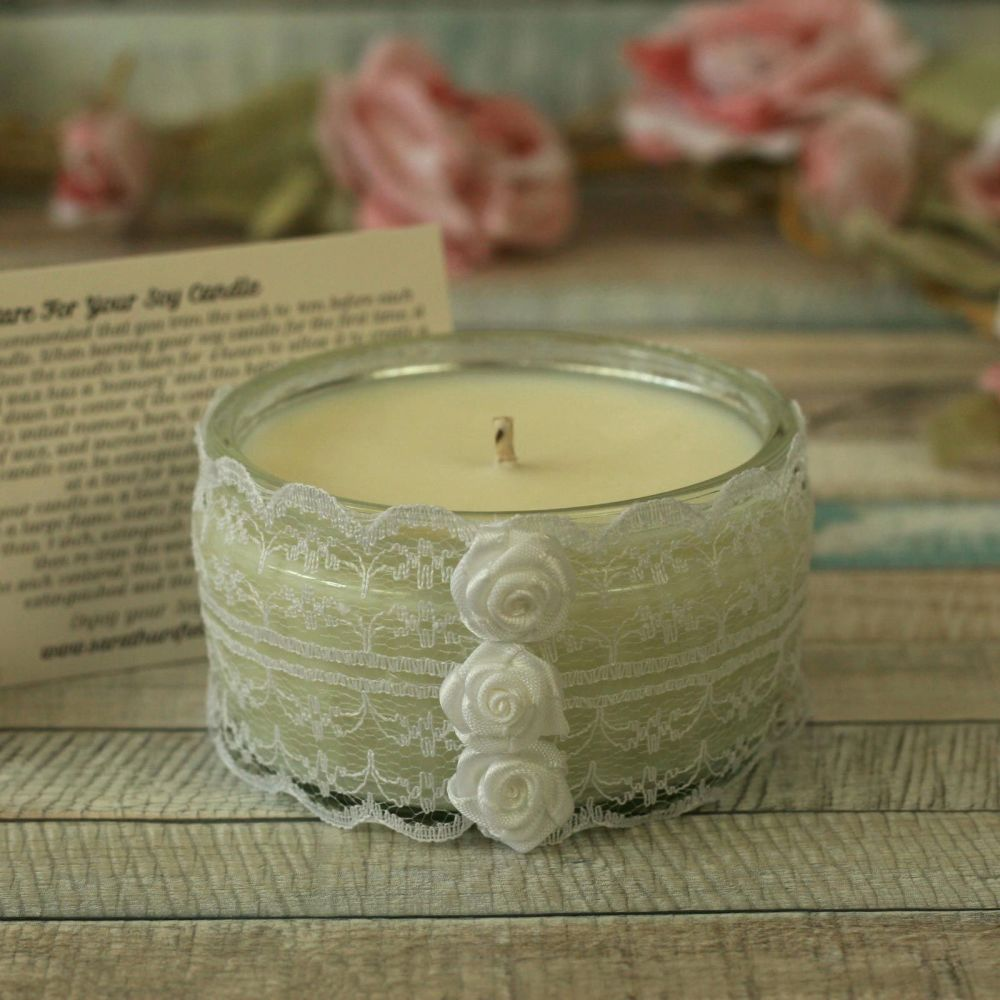 <!-- 010 -->Scented Soy Wax Candle: Floral Candle Gift