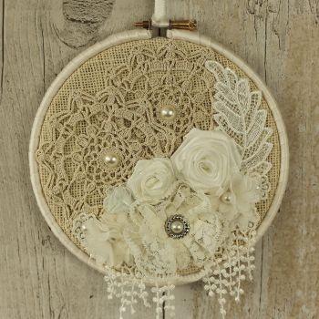 Boho Chic Decoration: Fabric Hanging