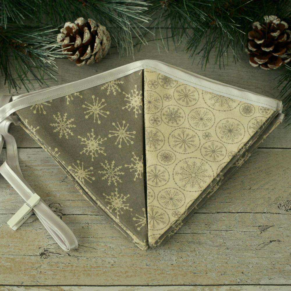 <!-- 002 -->Scandinavian Christmas Decoration: Xmas Bunting