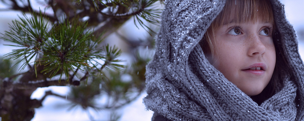 grey-scarf-banner-pat