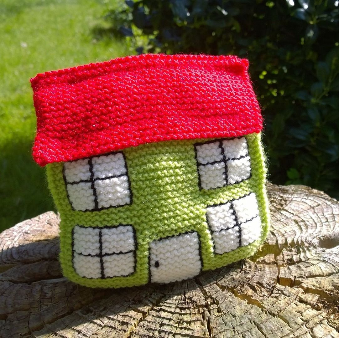 "Knitted ""Home"" Doorstop Pattern"