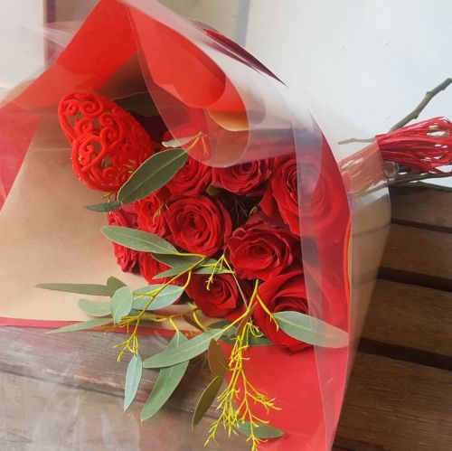 A Dozen Long Stemmed Red Roses
