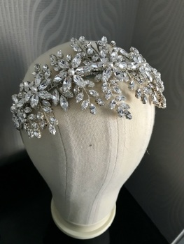 Elegant Crystal Bridal Headpiece Livia.