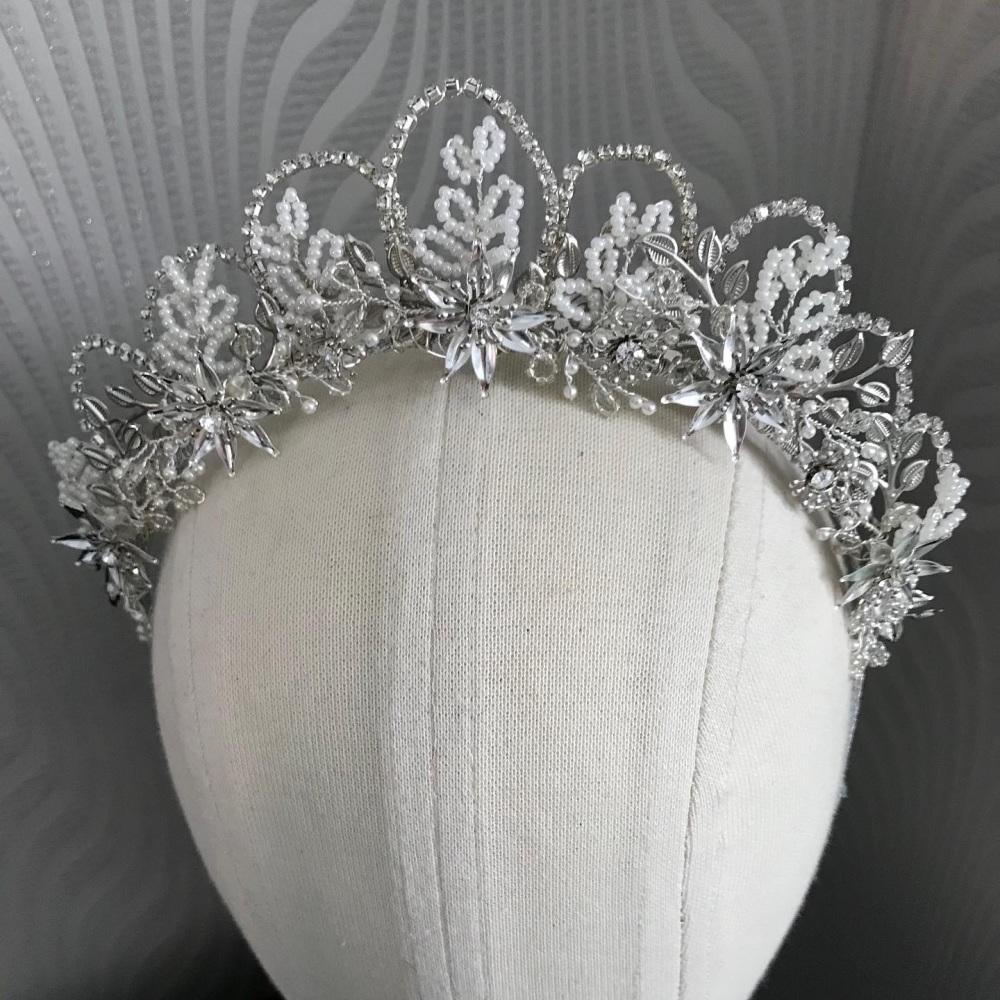 Crystal leaf headband.
