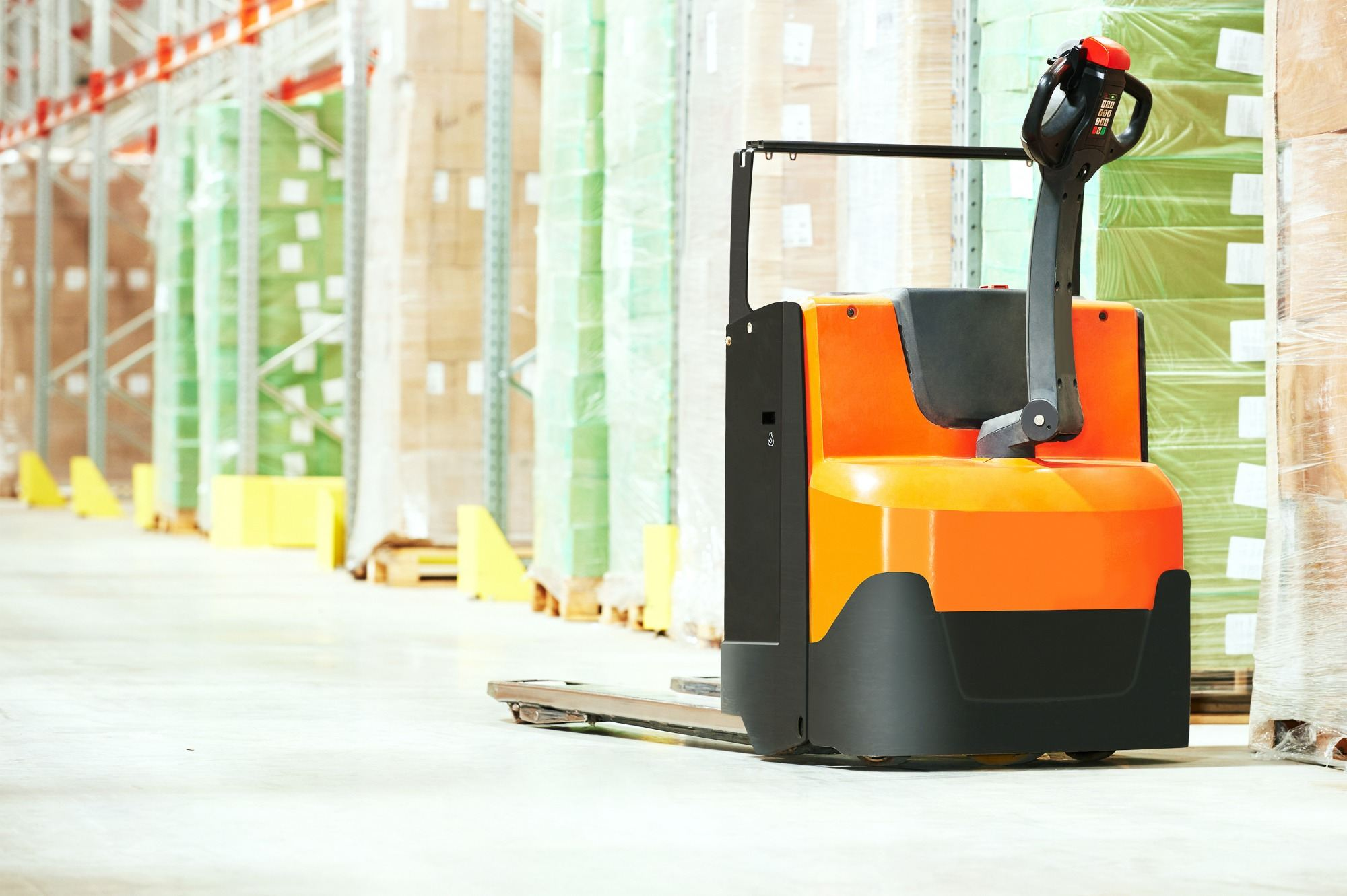 pallet truck training with Tamar Valley Training