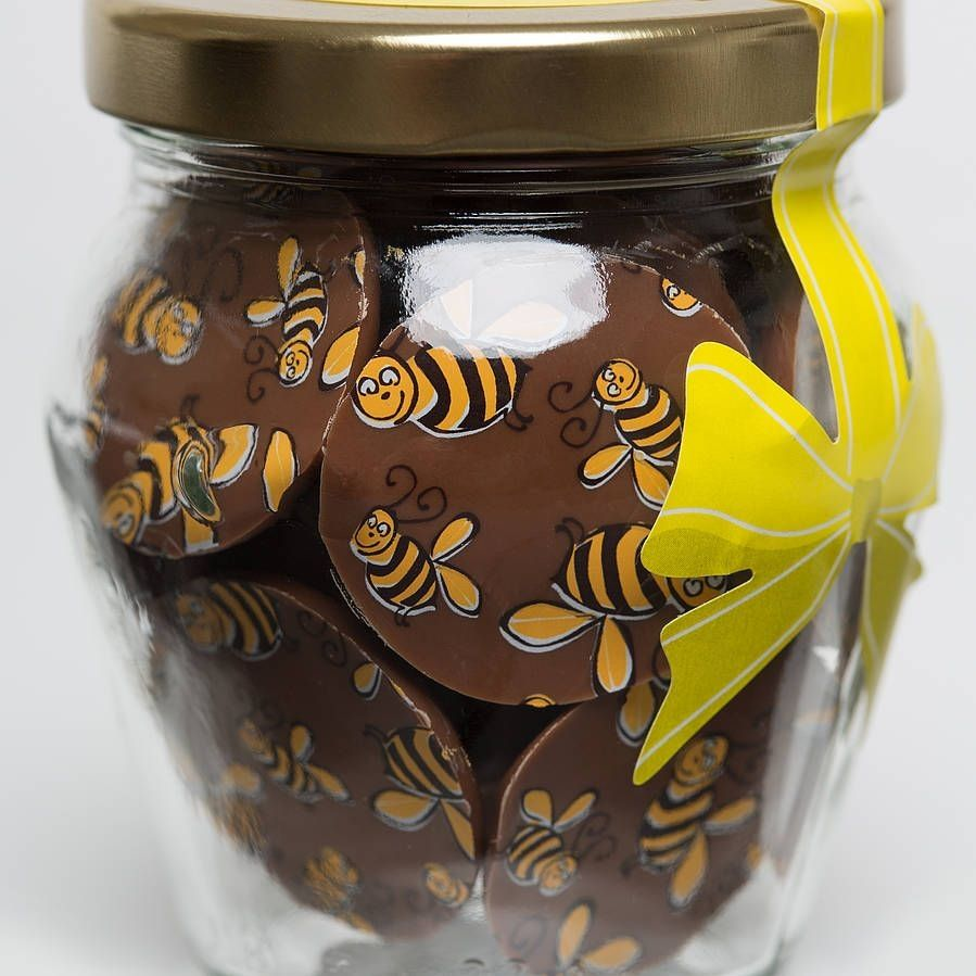Bee Chocolate Buttons
