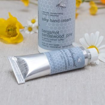 Bee Inspired Hand Cream Sandalwood, Bergamot & Pine