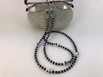 Black & White Skull Glasses Chain