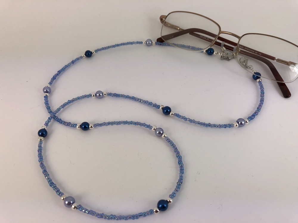 Two Tone Blue Glass Pearl Glasses Chain