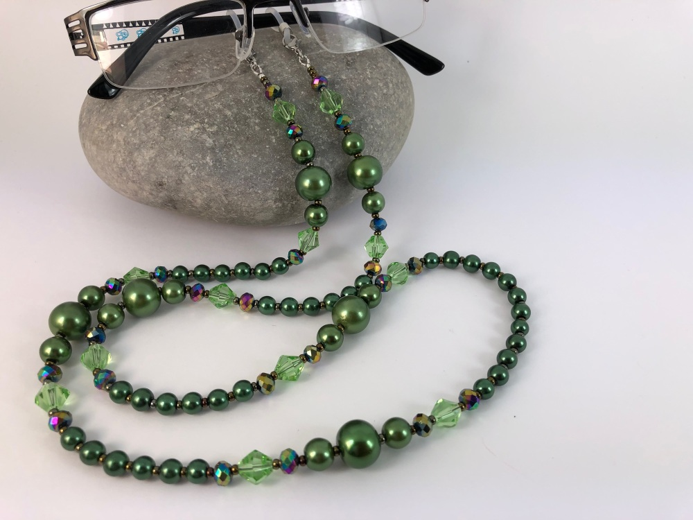 Chunky Green Glass Pearl Glasses Chain