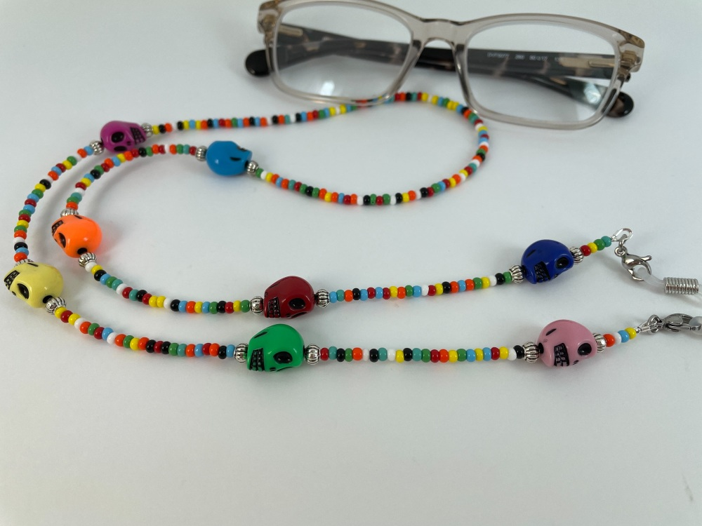 Multicoloured Skull Glasses Chain