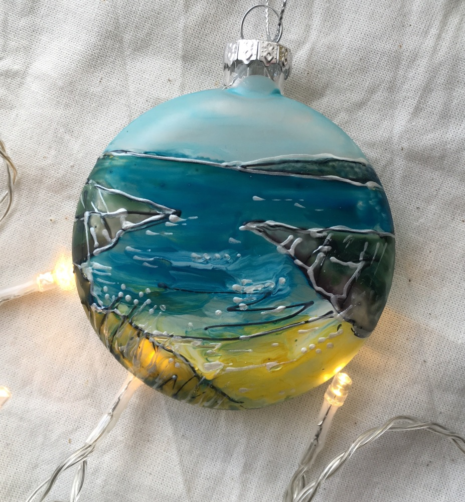 glass bauble Barricane