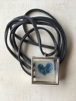 Mussel shell  etching necklace