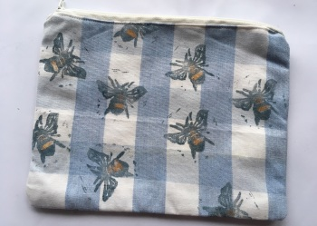 Bumble bee make up purse