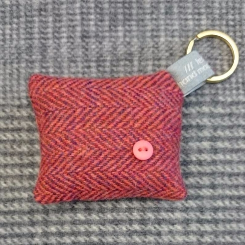 34. wool key ring / bag charm