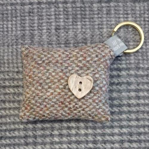 35. wool key ring / bag charm