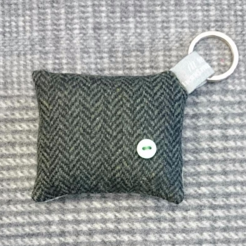 37. wool key ring / bag charm