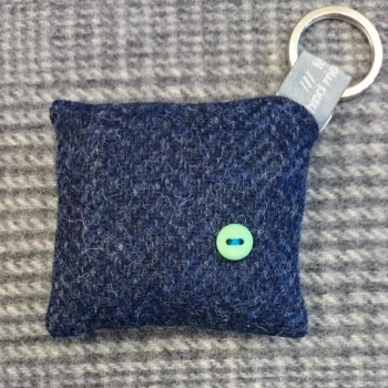 38. wool key ring / bag charm