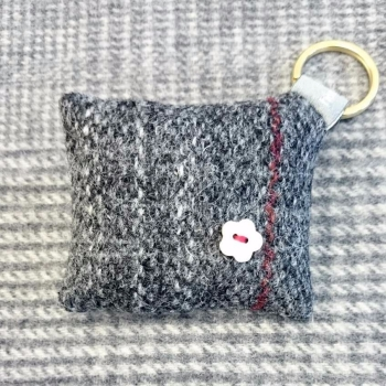 39. wool key ring / bag charm