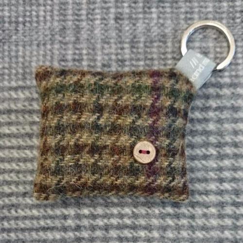 41. wool key ring / bag charm