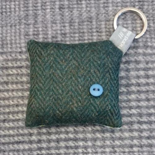 42. wool key ring / bag charm