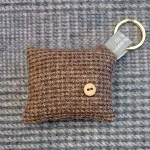 43. wool key ring / bag charm