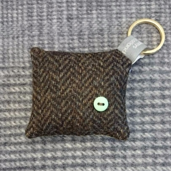 46. wool key ring / bag charm