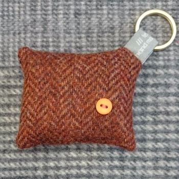 47. wool key ring / bag charm