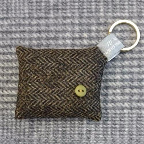 51. wool key ring / bag charm