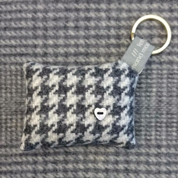 59. wool key ring / bag charm