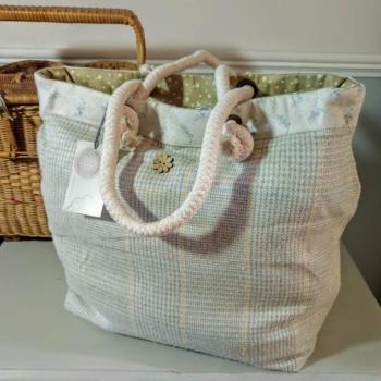 8. boathouse bag