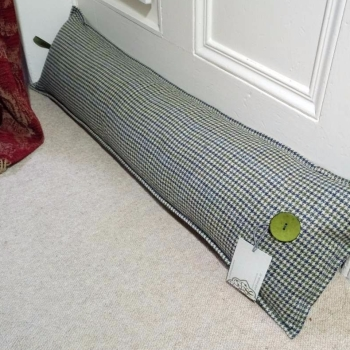 2. draught excluder