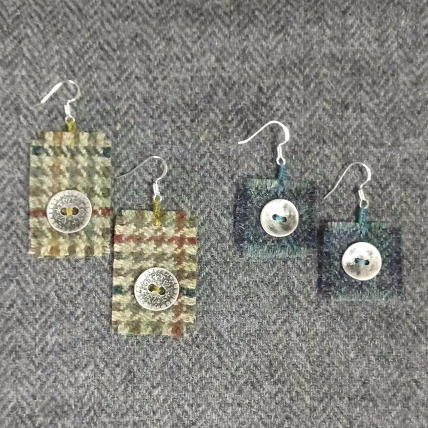 <!-- 002 -->wool earrings