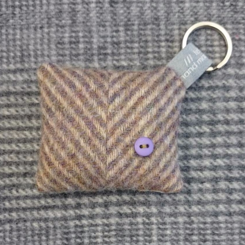 53. wool key ring / bag charm