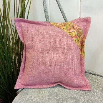 9. mini tweed cushion