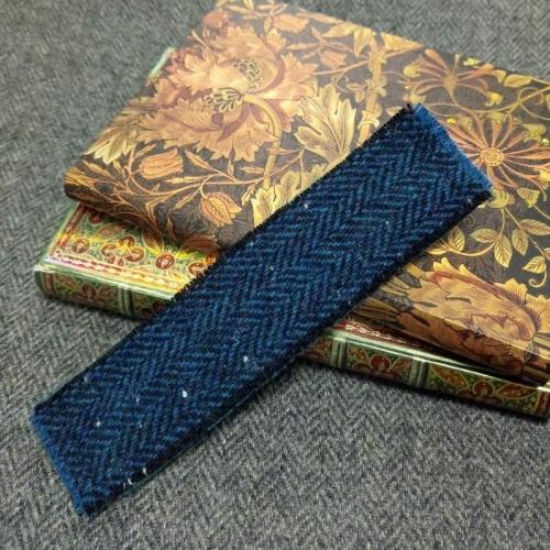 31. tweed bookmark