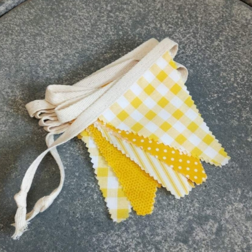 traditional yellow white (m)