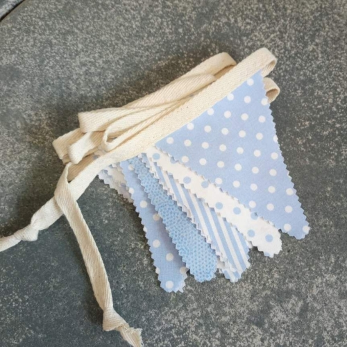 traditional soft blue white (m)
